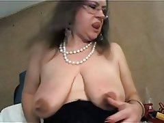 Amateur Big Boobs Mature MILF Nipples