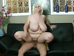 Amateur Big Boobs Big Butts Blonde MILF
