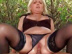 52 yr old roxy squirts when she cums 9